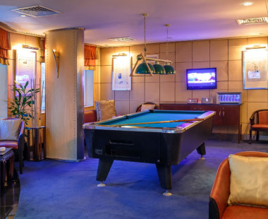 Lindbergh's Sports Bar & Lounge